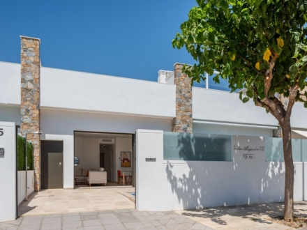 SPECTACULAR VILLAS IN ONE LEVEL AND DUPLEX (Ref. 061)